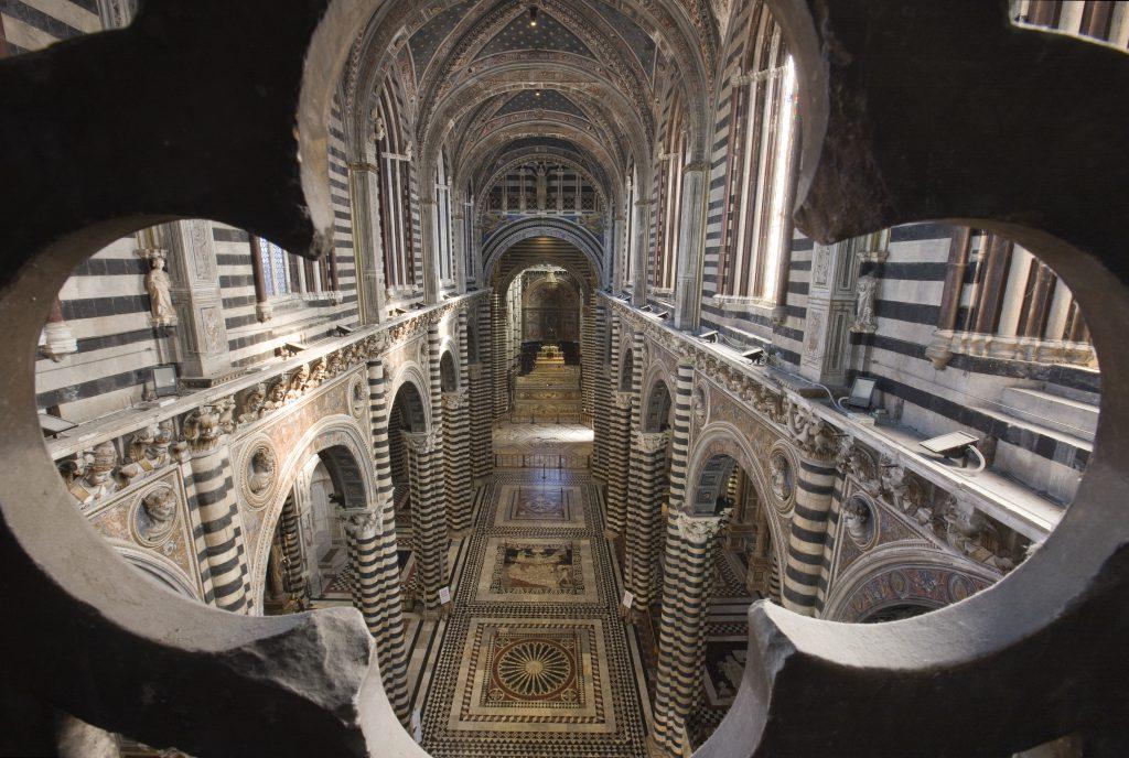 duomo interno navata centrale