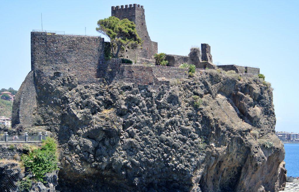 Rocca di Aci Castello - Sicilia