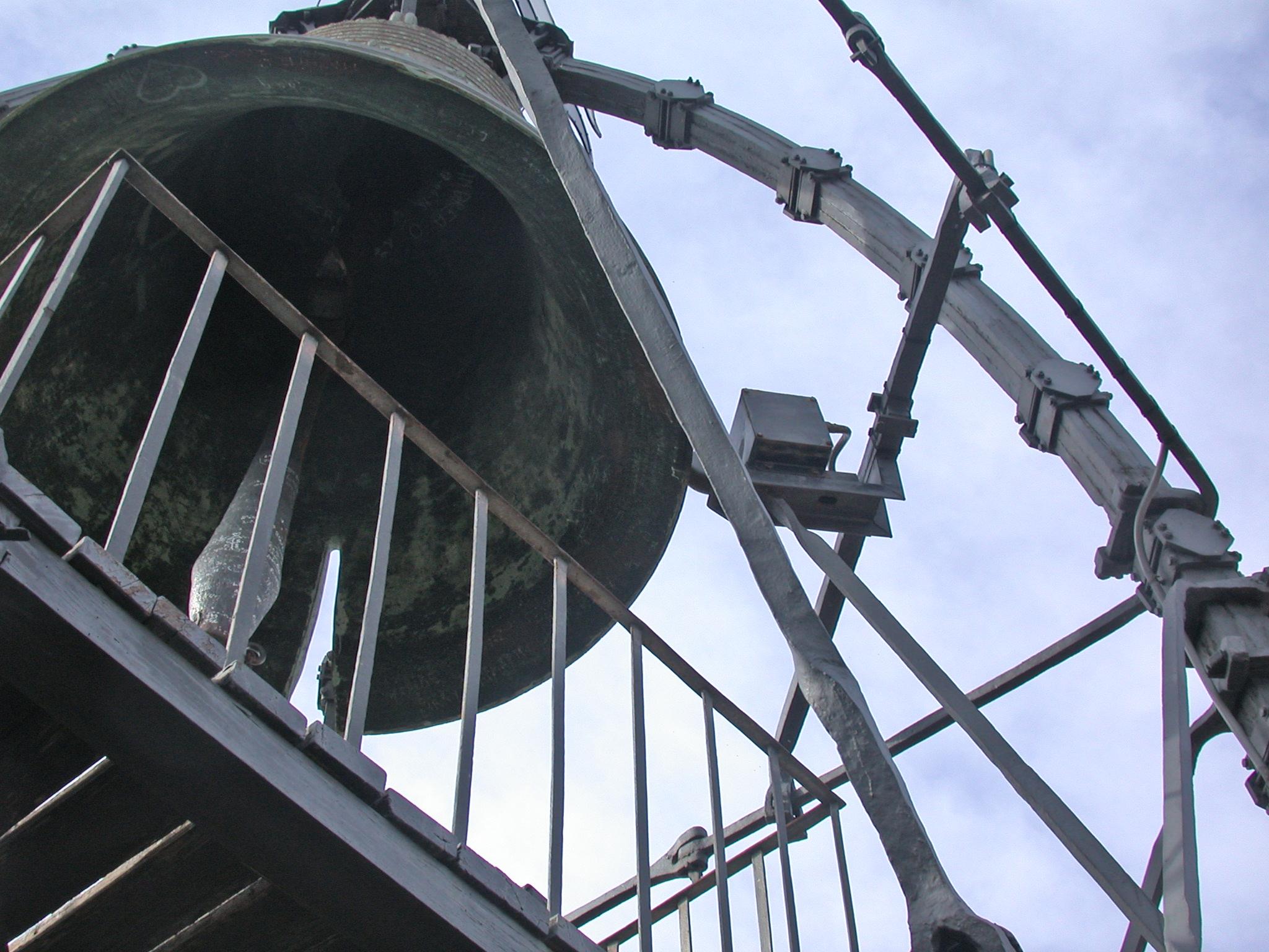 La campana della Torre del Mangia, Ph. MM Fonte wiki commons Pubblico dominio
