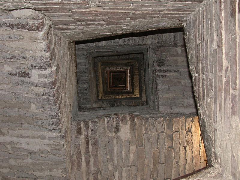 Le scale della Torre del Mangia, Ph. MM Fonte wiki commons Pubblico dominio