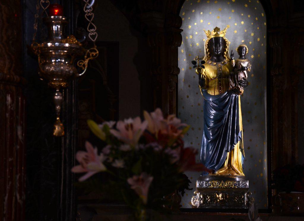 Santuario di Oropa - La statua della Madonna Nera