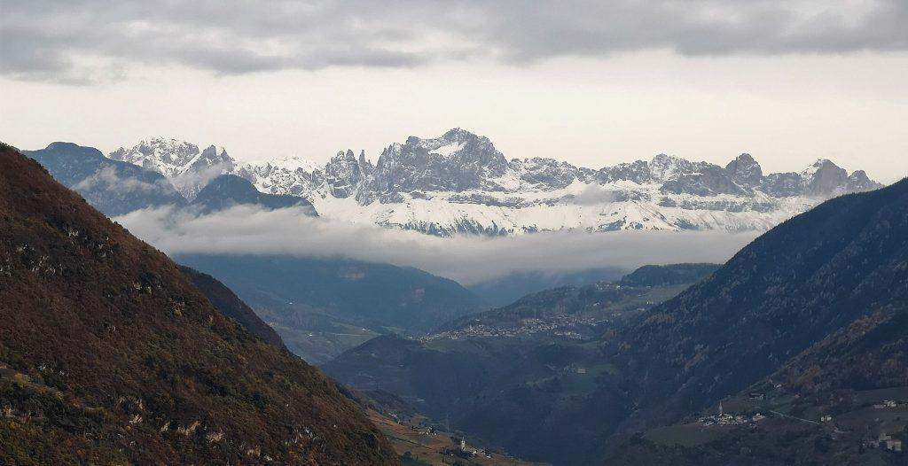 Monte Catinaccio - Il gruppo del Rosengarten visto da Bolzano