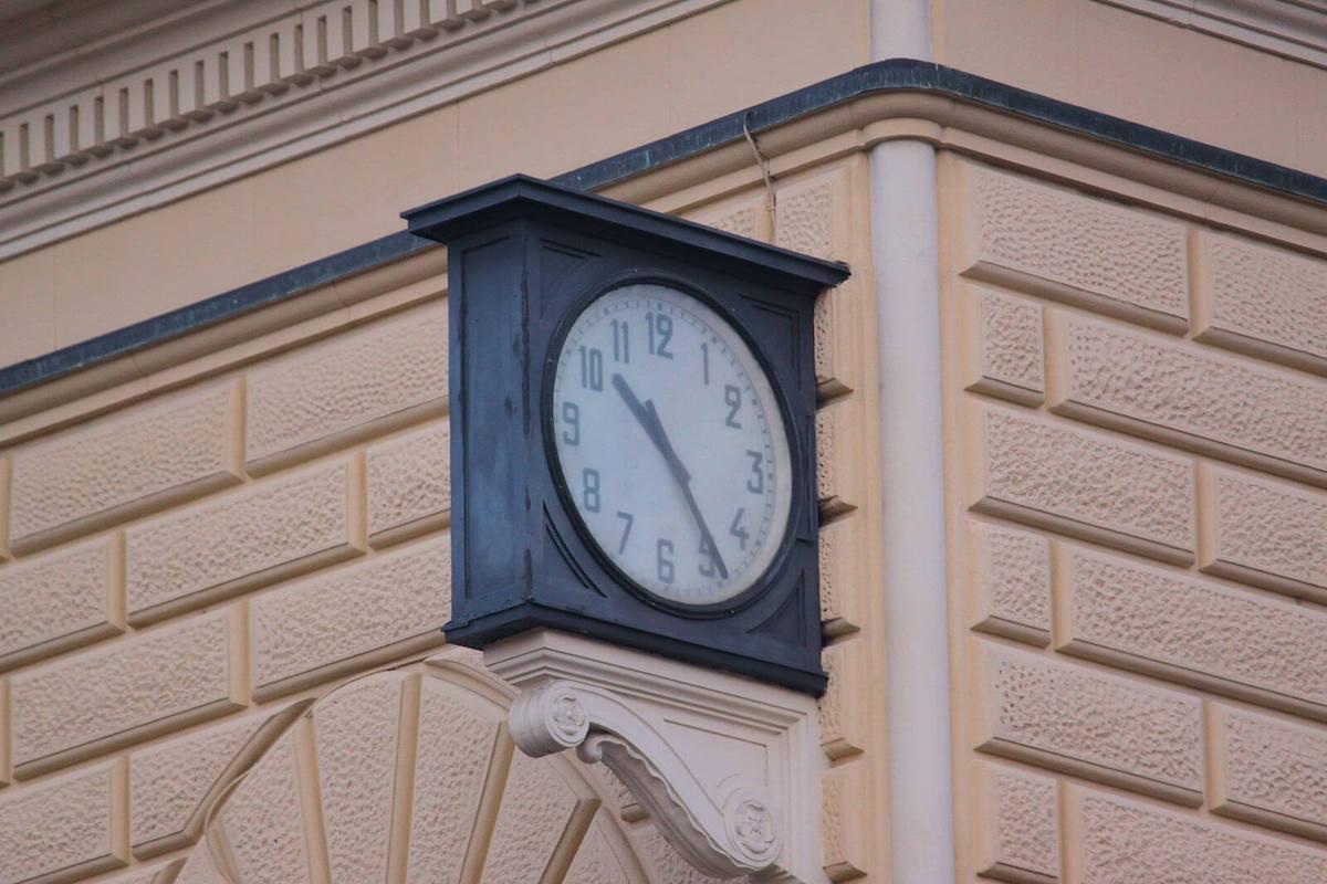 Strage di Bologna - Orologio stazione di Bologna fermo alle 10.25