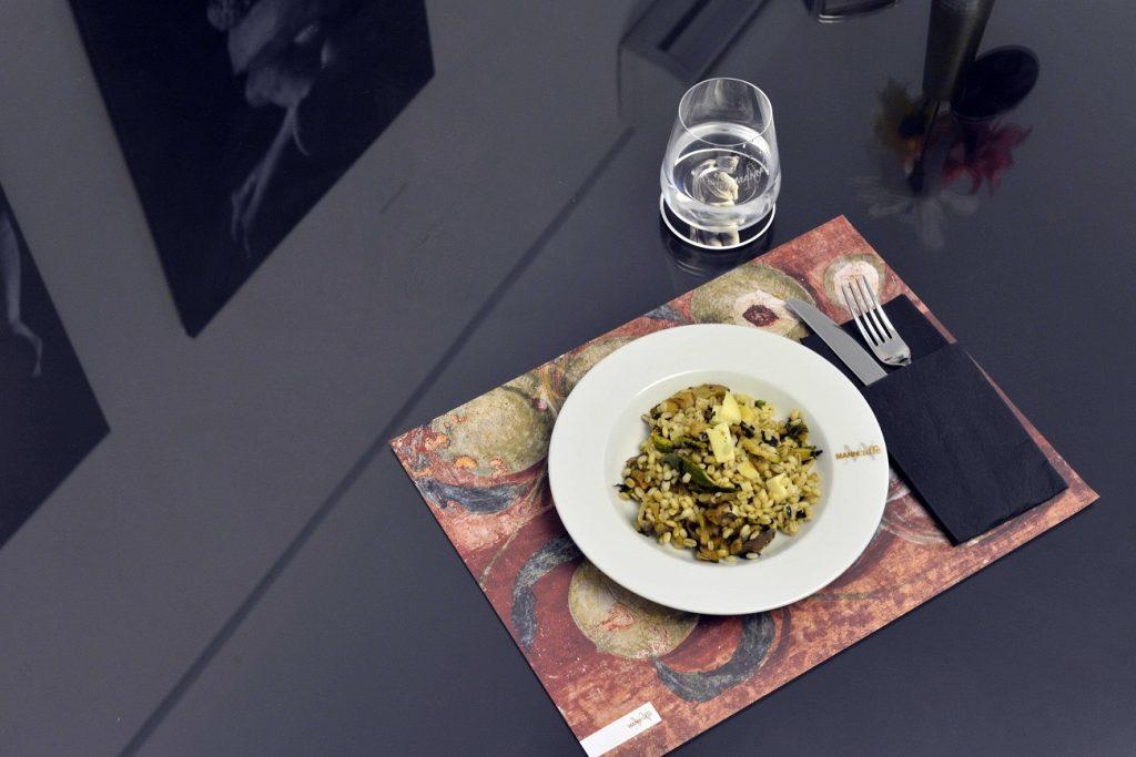 Per le aperture serali al museo di Napoli anche i piatti tipici da gustare