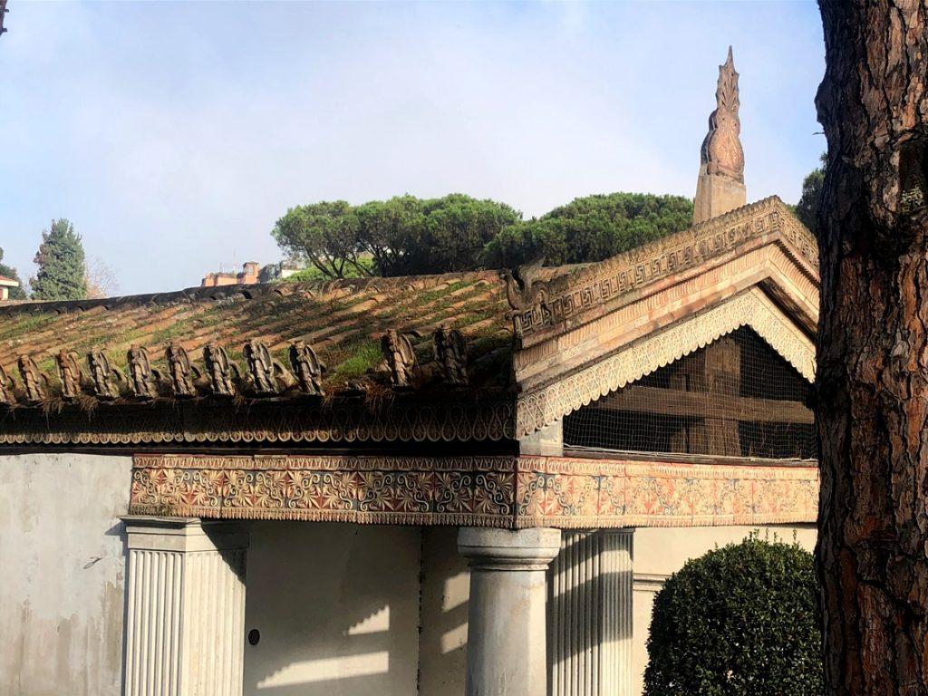 veduta laterale del Tempio Alatri