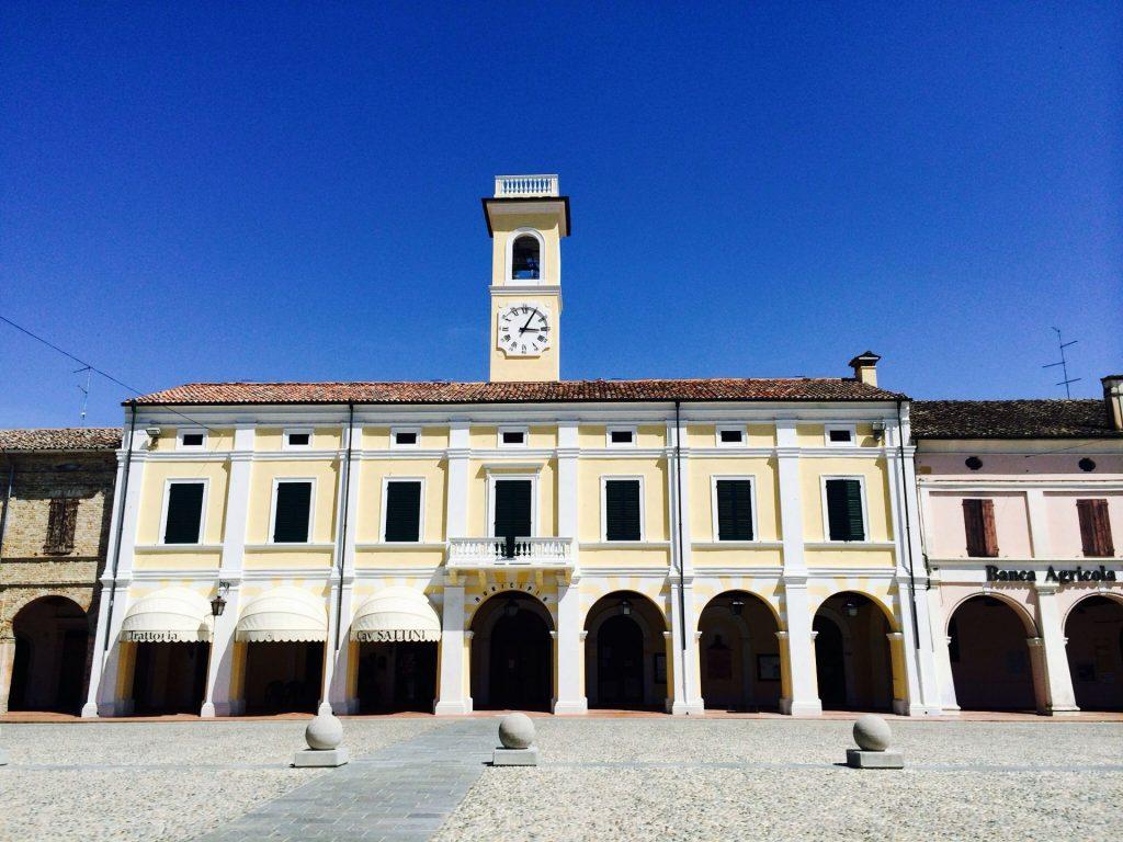 Pomponesco - Uno degli edifici che si affacciano sulla piazza