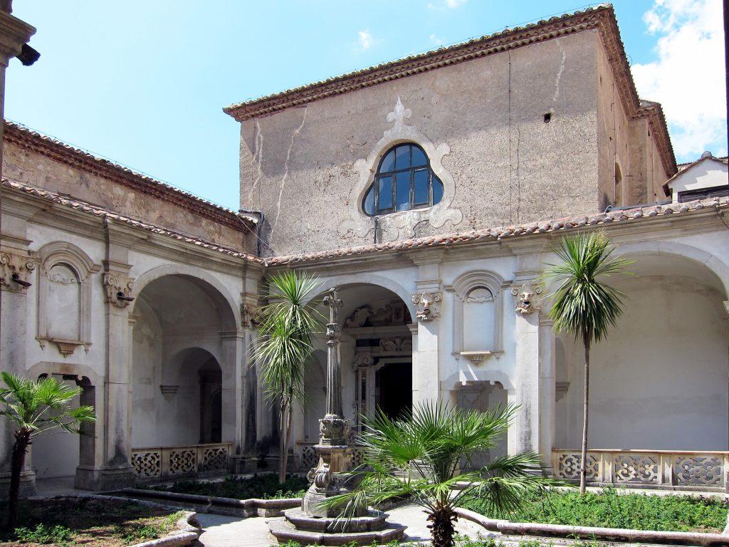 Certosa di San Lorenzo - Chiostro del Cimitero