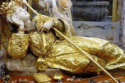 Statua di Santa Rosalia al santuario di Monte Pellegrino a Palermo