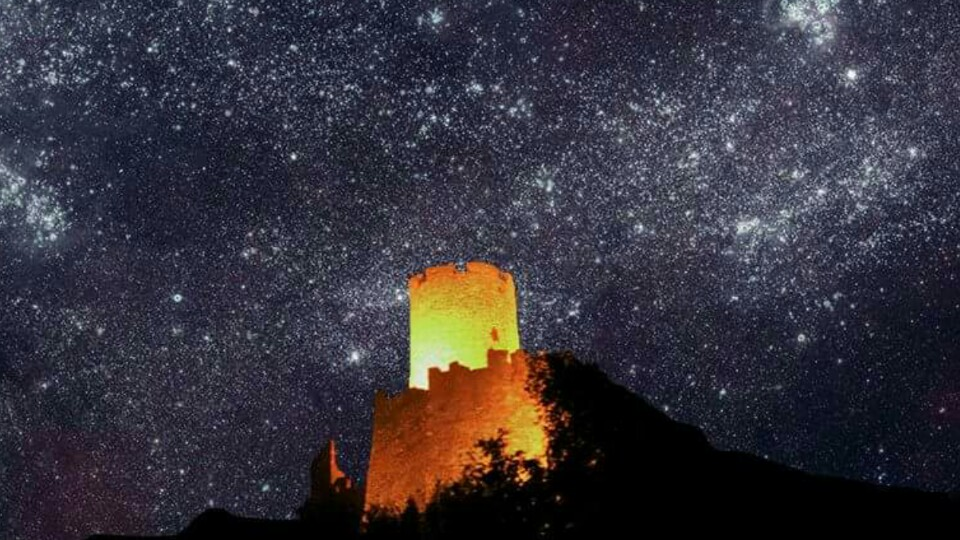Noli - veduta del castello illumnato