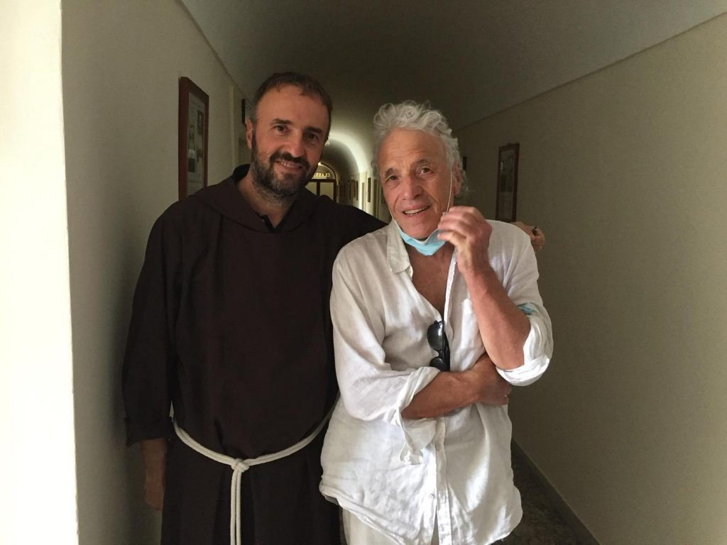 Film su Padre Pio - Il regista Abel Ferrara insieme a Fra Pasquale Cianci