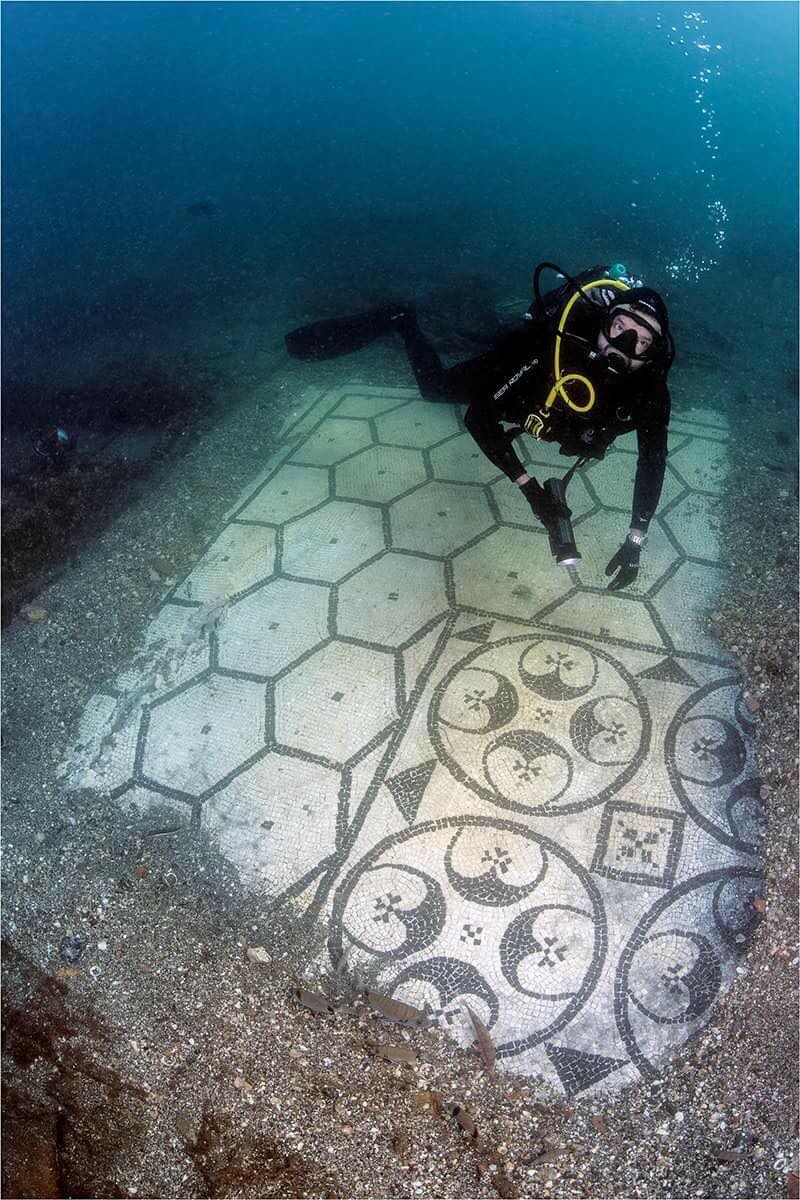 Mosaico sommerso del parco di Baia
