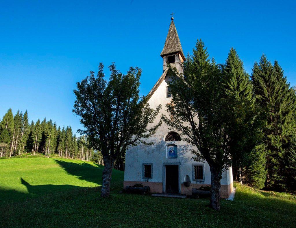 Mezzano - La chiesa di San Giovanni