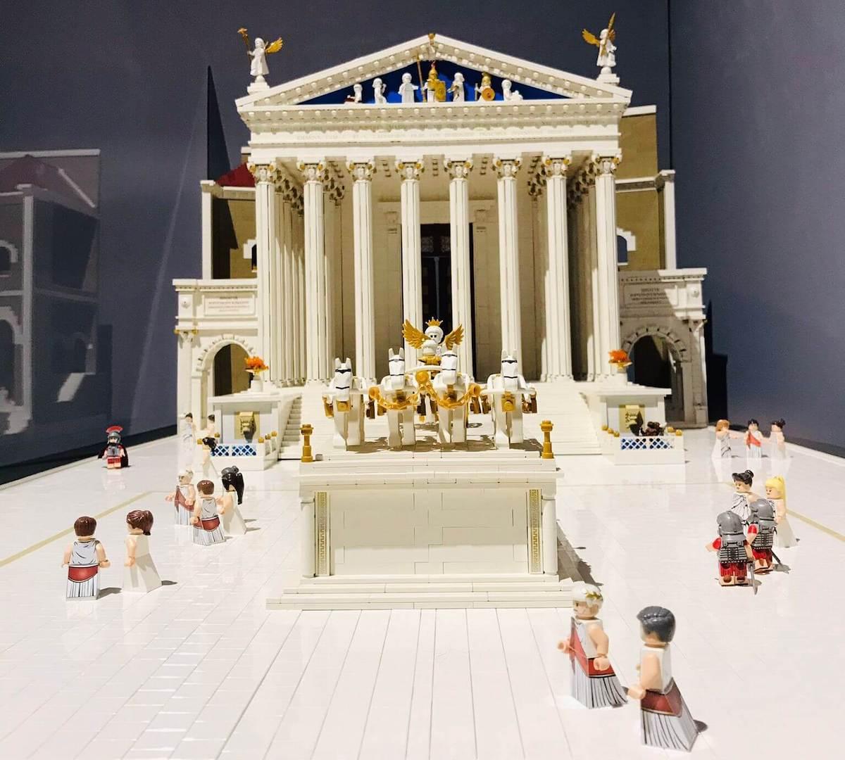 I Love Lego - riproduzione del Foro di Augusto di Roma in LEGO