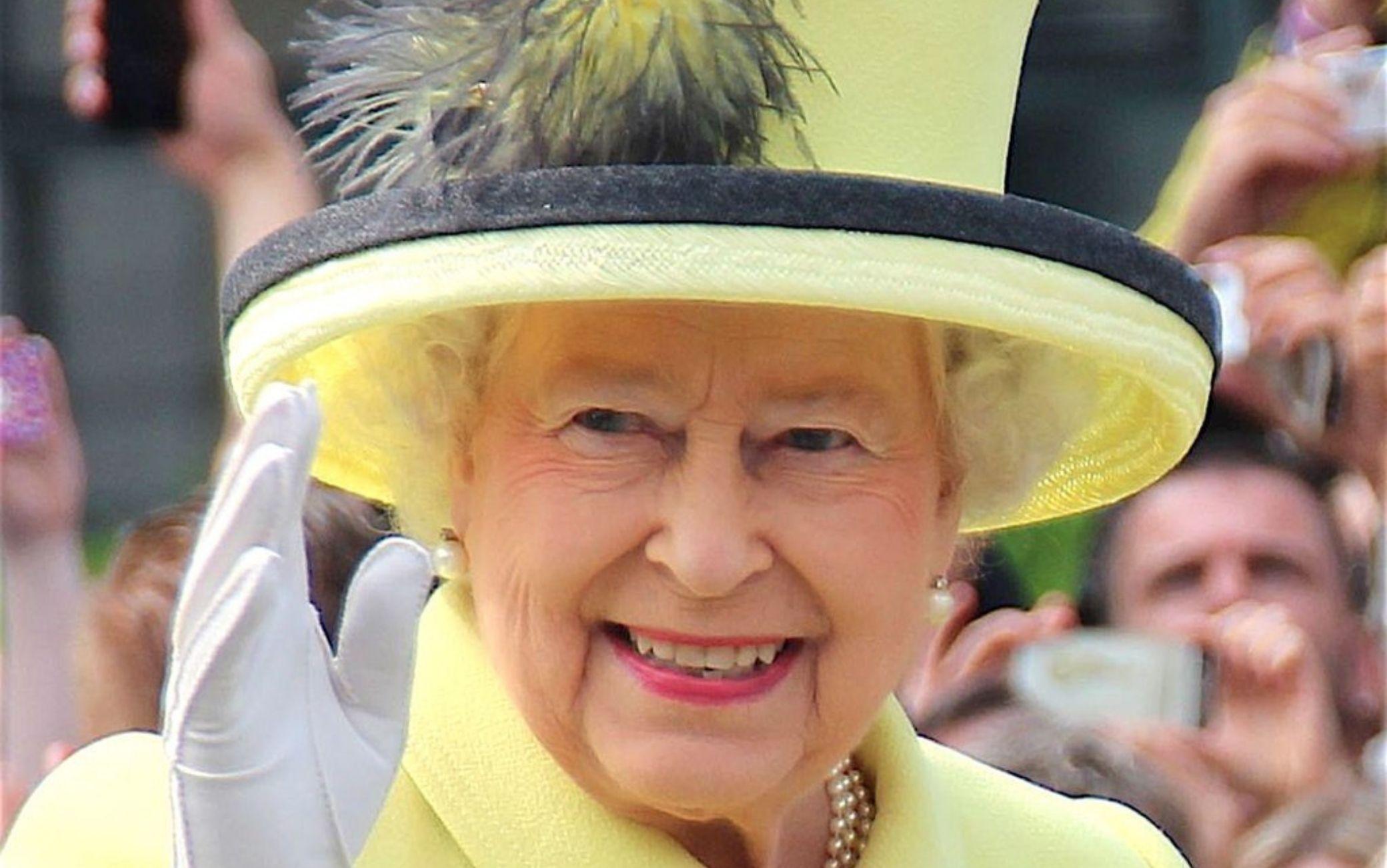 La Regina Elisabetta ha risposto ai ragazzi di una scuola italiana