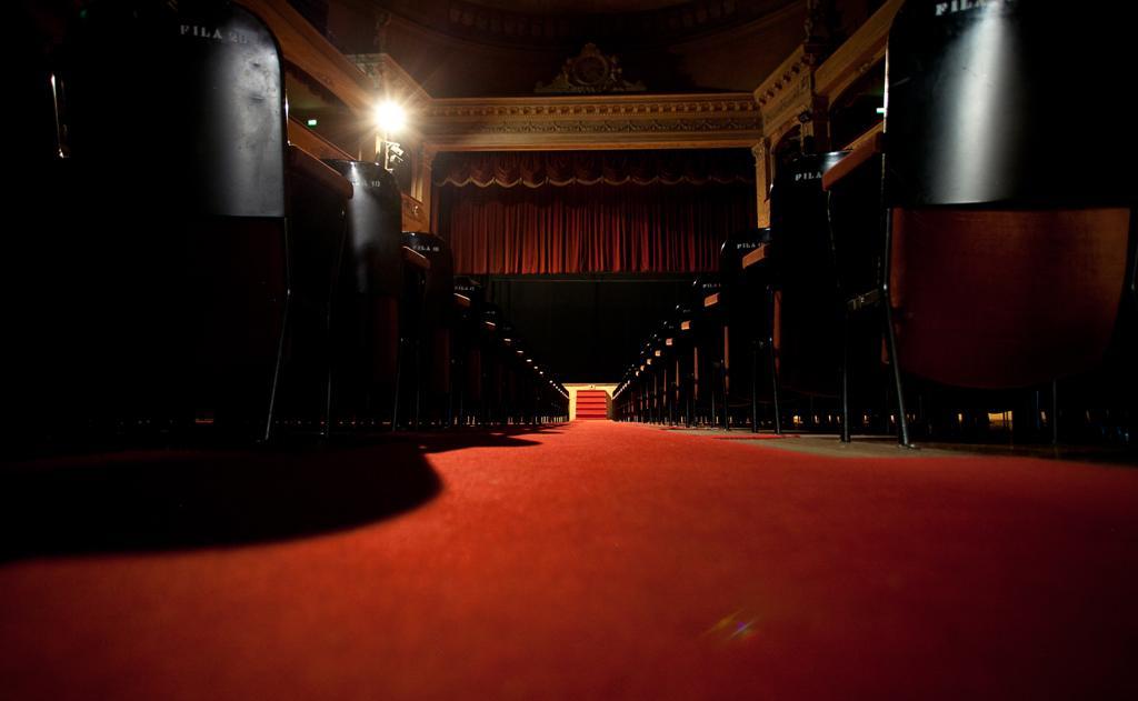 Lo Storchi il teatro di Modena