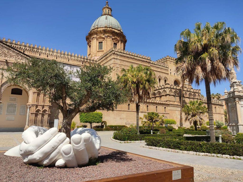 Mani di Quinn a Palermo