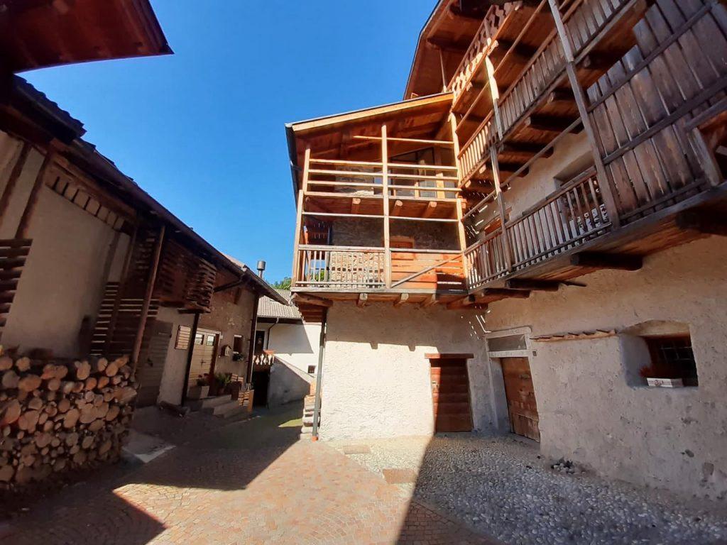 Mezzano - Una delle case tipiche del borgo
