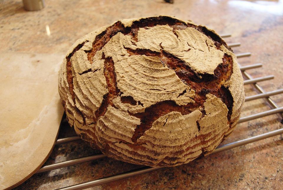 pane nero di coimo cotto al forno