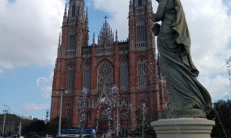 Fuente Junto A La Catedral