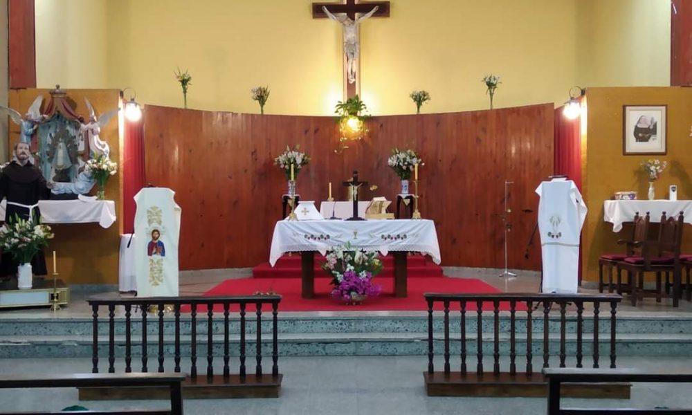 Triduo a san Francisco - Interior de la parroquia