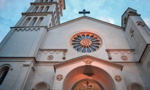 San Francisco De Asís - Fachada de la iglesia de La Plata