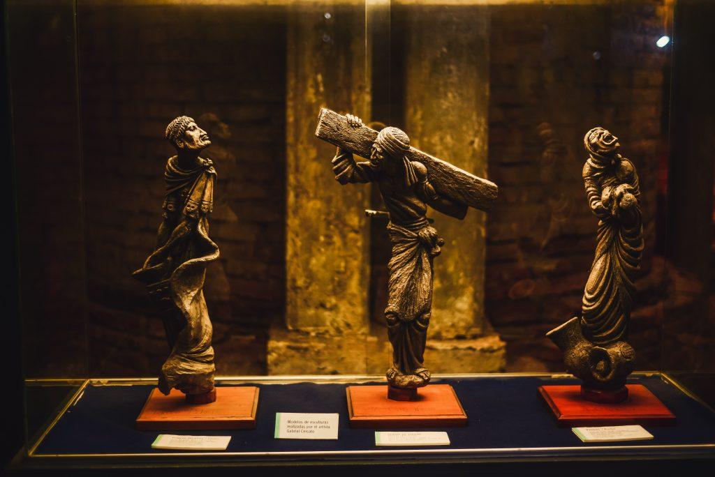 La Catedral de La Plata - Miniaturas de esculturas exteriores