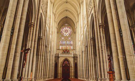 La Catedral de La Plata - Rosetón y coro desde el altar