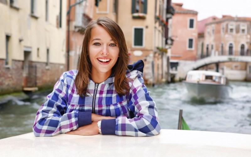 Muestra de Fotografía - Joven En Venecia