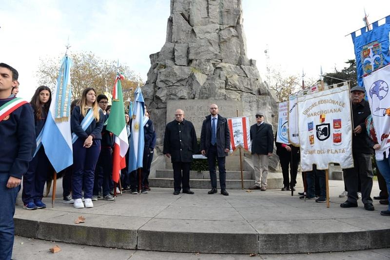 Aniversario de la República Italiana - Los festejos comenzaron con una ofrenda floral en el Monumento a San Martín.