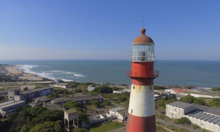 Faro - La vista al faro se puede combinar con una recorrida por las playas del sur de la ciudad.