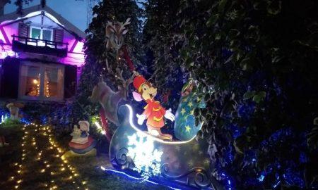 Paseo Navideño de Calle Olazábal - Ingreso A La Casita De Navidad