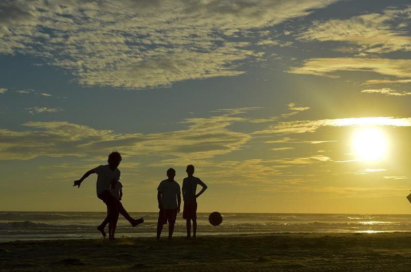 Playa Deportiva - Fútbol en la playa.