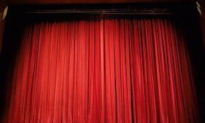 Tronador - Telón Teatro Tronador