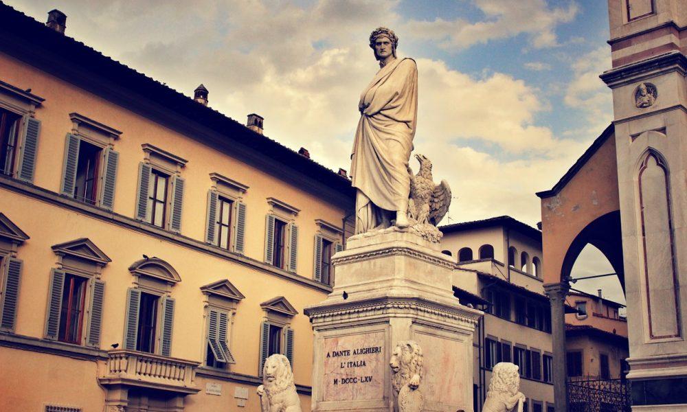 Día de Dante - Estatua de Dante en Italia.