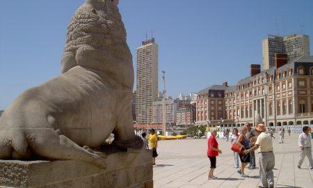 Monumento - Escultura Lobos Marinos.