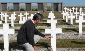 Julio Aro - Julio Aro En El Cementerio Darwin