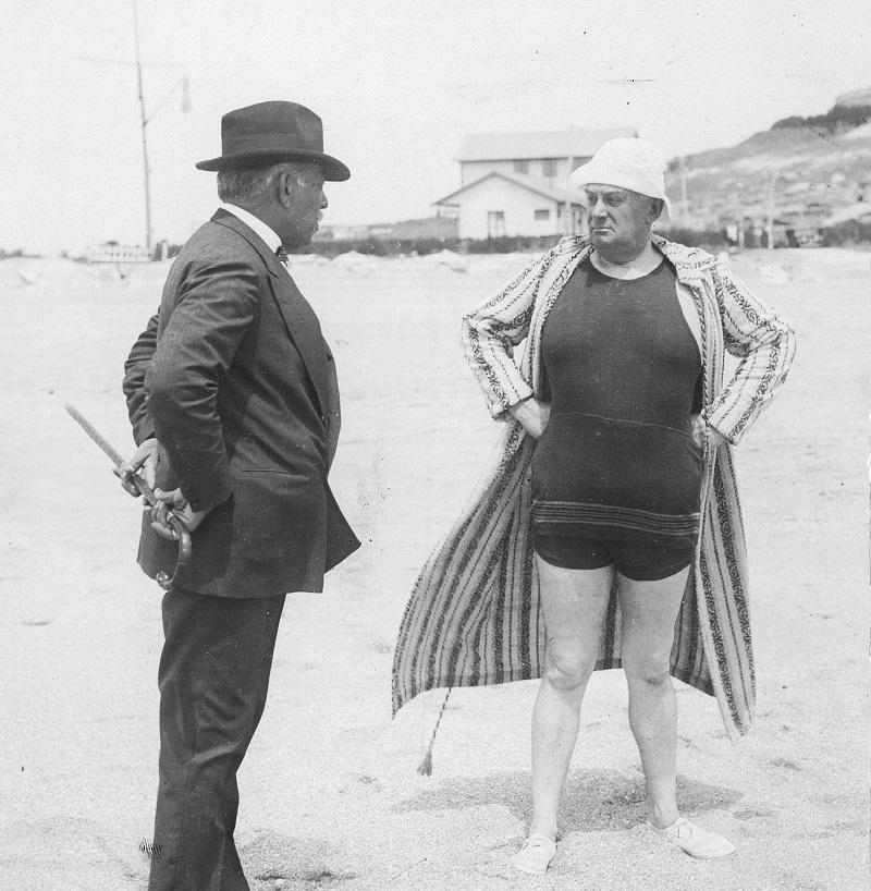 Turismo - El Presidente Alvear En Las Playas De Mar Del Plata.