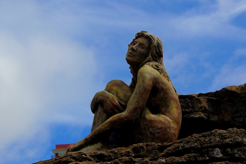 Escultura - Imagen De La Escultura En Primer Plano.