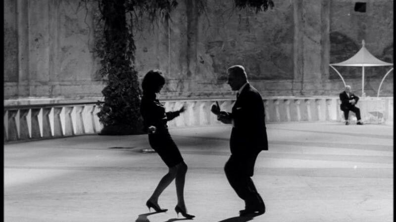 8½ - Escena De Baile En La Pelicula De Ocho Y Medio