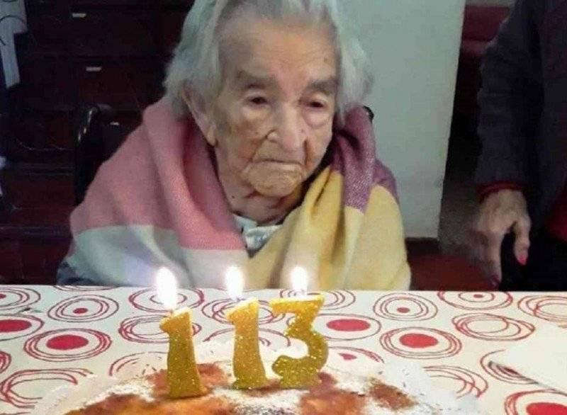 Marplatense de 113 años - Doña Casilda en su 113° cumpleaños. Autor: Gerontology Wiki.