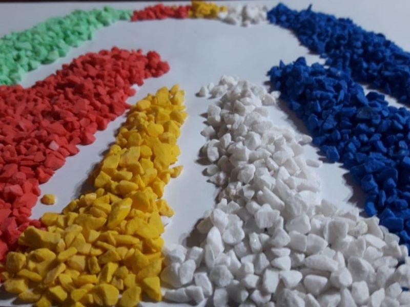 diversidad cultural - Mano En Negativo Con Piedras De Colores