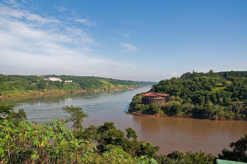 Río - Frontera