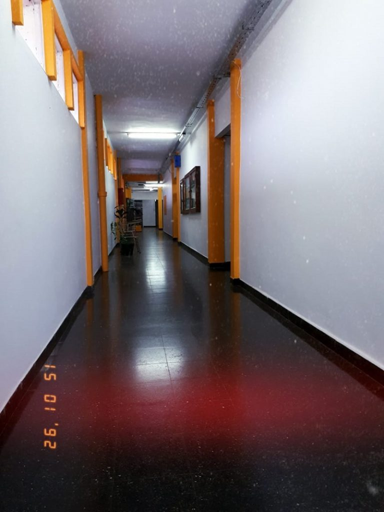 Universidad Nacional - Pasillos