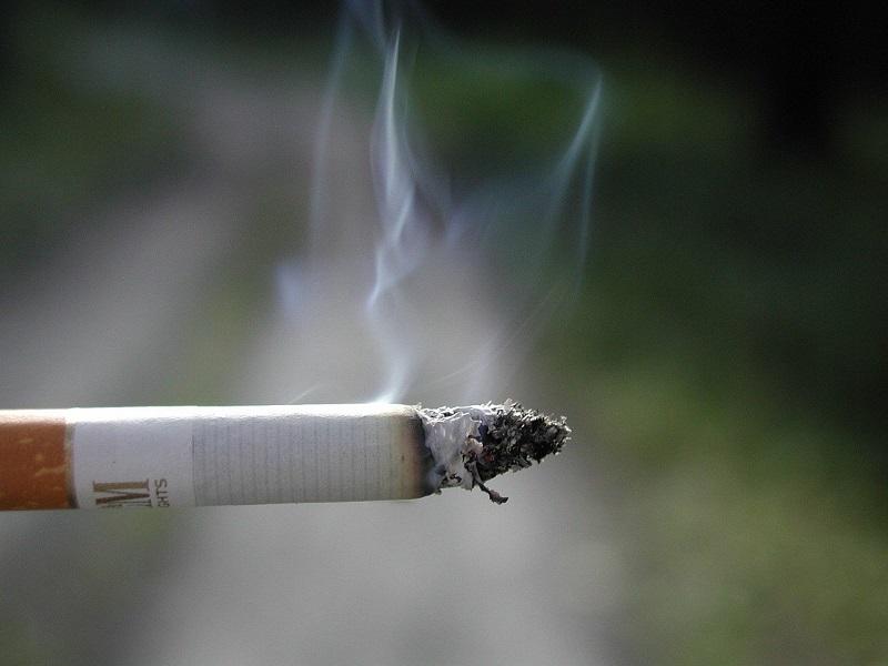 protegidas - Cigarrillo Encendido
