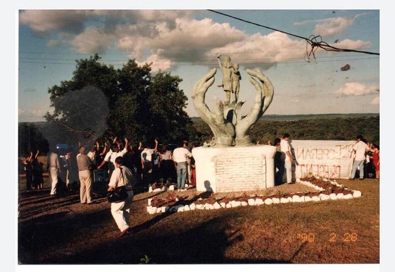 Plantamos Memoria - Monumento