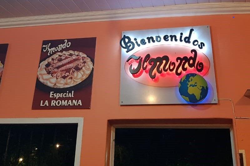 Candelaria - Cartel Del Restaurante Con Opciones De Pizza