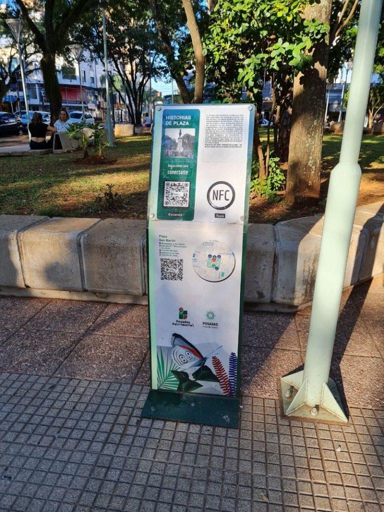 Cartel Qr Con La Historia De La Plaza San Martín