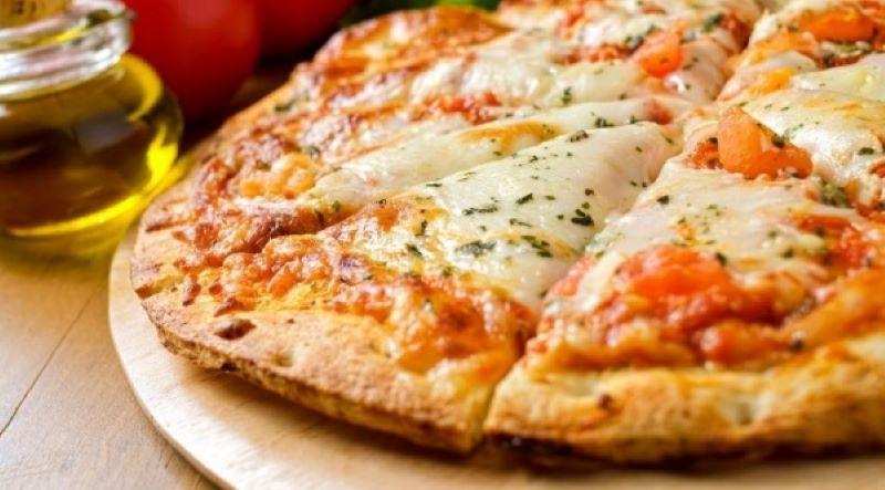 Pizza De Mandioca - pizza a base de mandioca