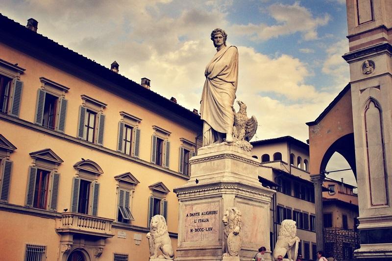 Dante - Estatua De Dante Alighieri