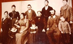 Foodie Posadas - Juan Bartolotti Y Su Familia